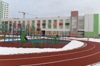 Школа в Брусилово Твери радует как внешним видом, так и «начинкой». Чего только стоят бассейны и оборудование в кабинете технологии!