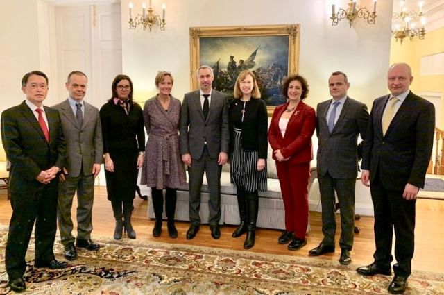 Генпрокурор Рябошапка встретился с послами стран «Большой семерки»