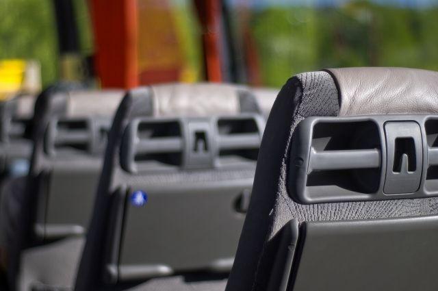 Водителя отстранили от управления транспортного средства. Автобус поместил на специализированную стоянку. У этого перевозчика не раз выявляли нарушения путевой документации и технического состояния автобусов.