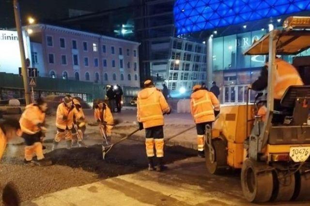 В Киеве у ТЦ «Ocean Plaza» восстановлено движение транспорта