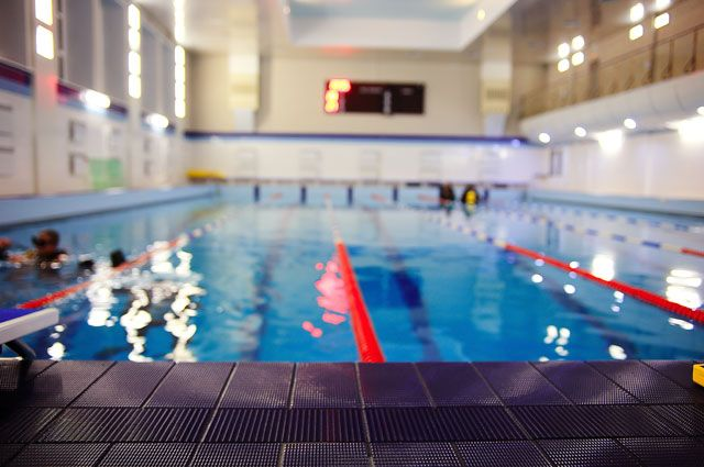 В Ленобласти семилетний мальчик впал в кому после занятия в бассейне