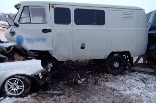 В Оренбургской области произошло ДТП с 2 погибшими и 7 пострадавшим.