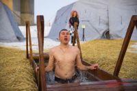 В Тюменской области проверяют воду в прорубях для крещенских купаний