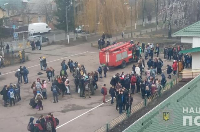 В Киевской области в школе распылили слезоточивый газ: детали инцидента