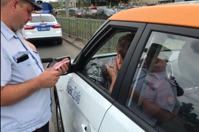 В Новороссийске у каршеринговой фирмы клиент угнал арендованный автомобиль