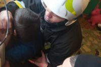 Под Херсоном ребенок рукой застрял в батарее: подробности