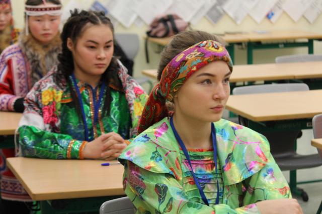 Тюменские школьники заняли призовые места на олимпиаде по французскому