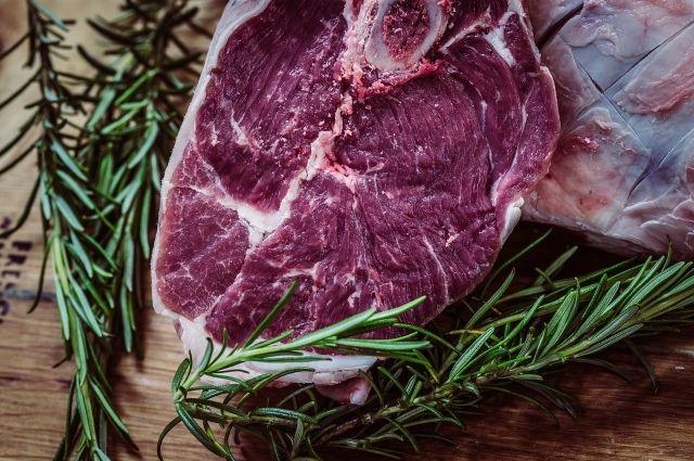 Мужчина признался, что украденное мясо продал и уже потратил вырученные деньги.
