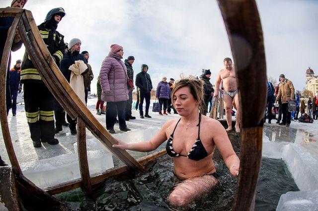 Более 40 тысяч жителей Оренбуржья окунулись в купели на Крещение
