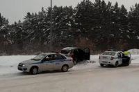 Злоумышленники пытались скрыться на угнанном автомобиле, но не справились с управлением.
