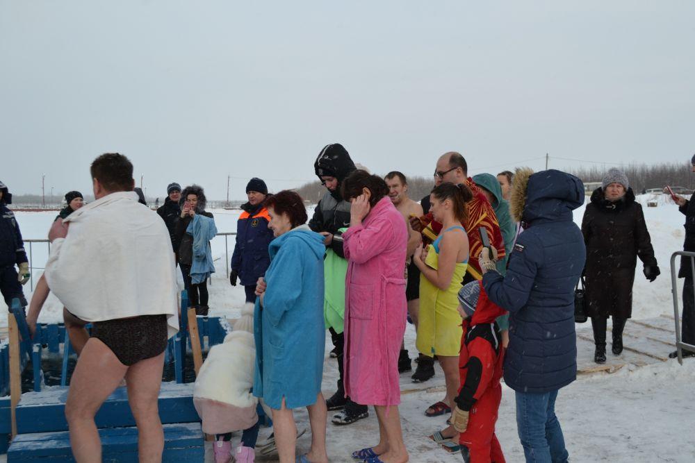 Великое освящение воды в Сысоле началось в 11.00.