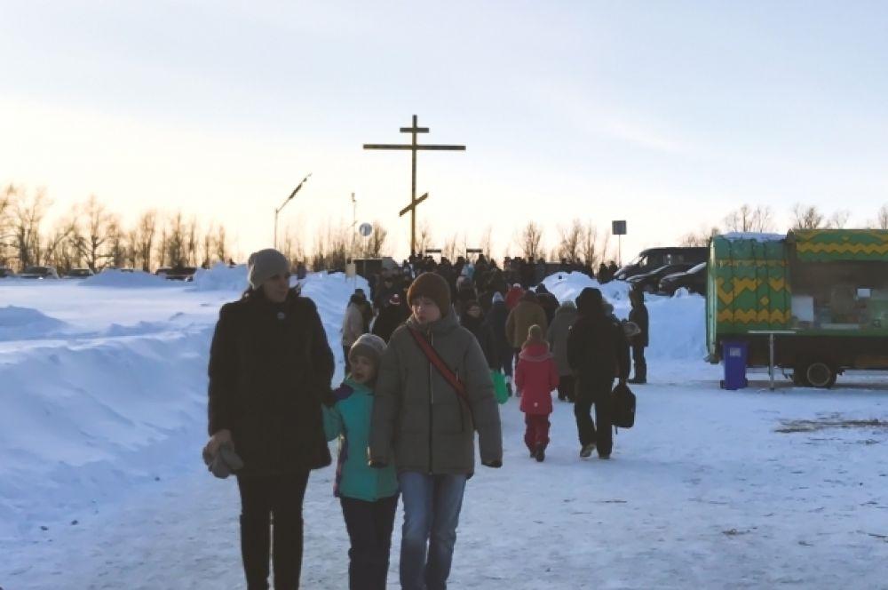 До места проведения праздника «Крещение Господне» ходил общественный транспорт и жители города могли беспрепятственно добраться до купелей