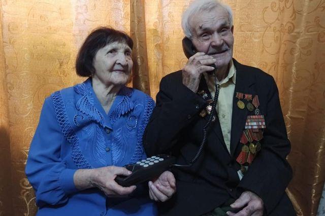 Ветеран живет месте с супругой в деревне Толстомысово Сухобузимского района.