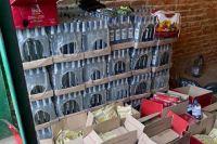 В Луцке подпольный цех массово штамповал поддельный алкоголь и табак