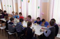 Все ученики младших классов будут питаться бесплатно.