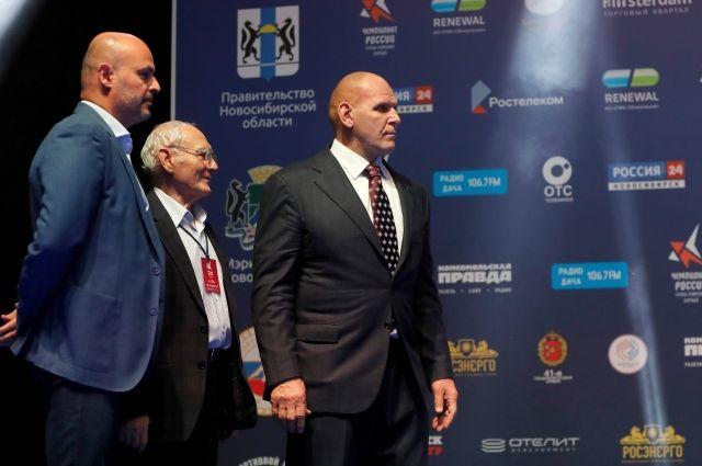 Трёхкратный олимпийский победитель по греко-римской борьбе Александр Карелин отметил высокий уровень подготовки турнира.