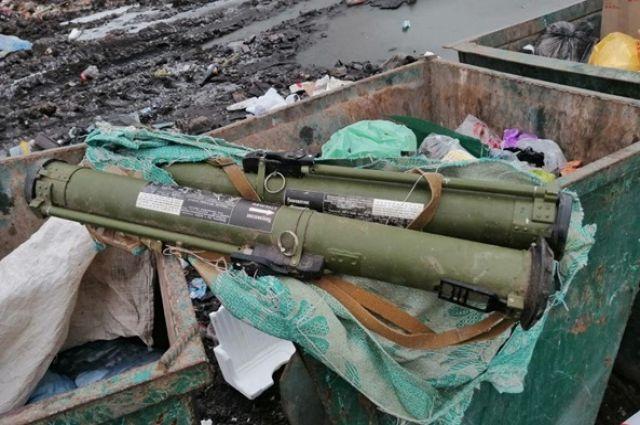В Житомире в мусорном контейнере нашли два гранатомета