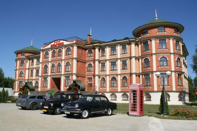Гостиничный комплекс «Ольгино» – это уникальная архитектура, эксклюзивная мебель, рядом река и лес, неподалёку Иваньковское водохранилище... Возвращаться сюда хочется снова и снова!