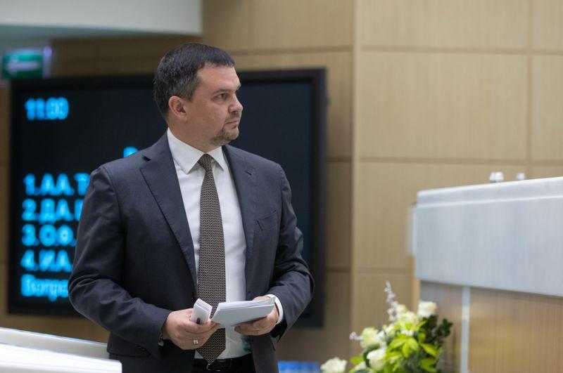 Вице-премьер Максим Акимов.