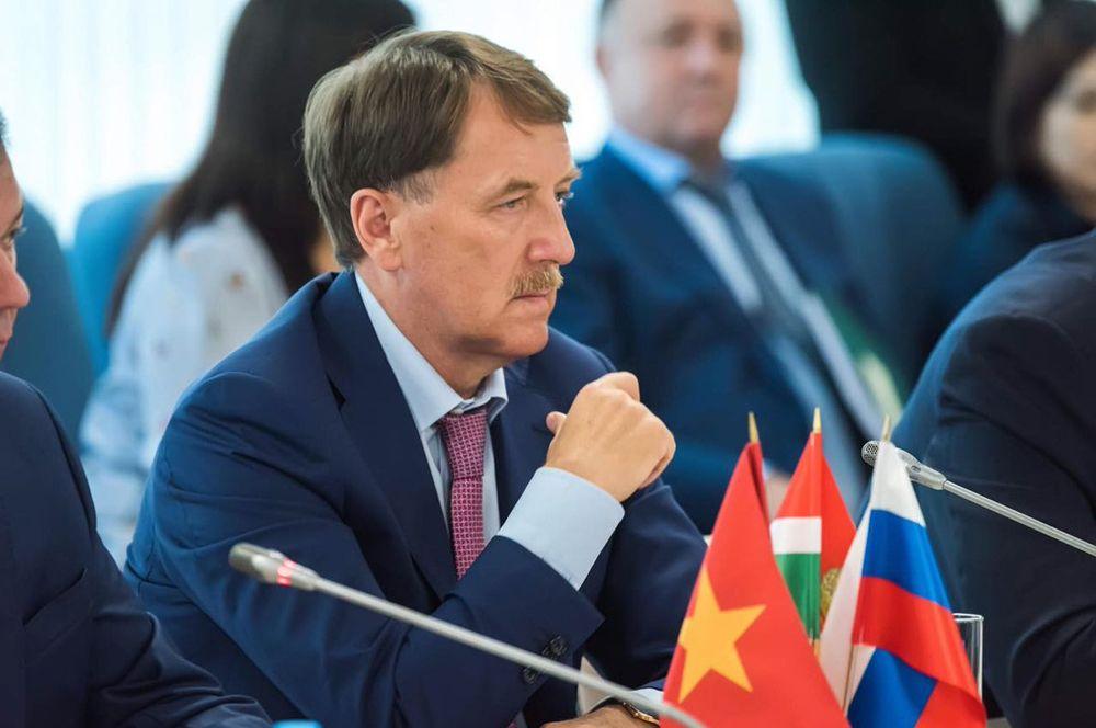 Вице-премьер Алексей Гордеев.