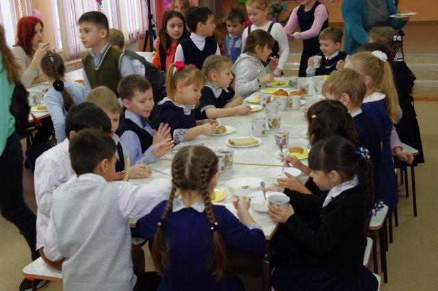 Детей будут кормить только качественными продуктами.