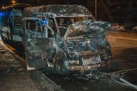 В Киеве дотла сгорела маршрутка: детали происшествия