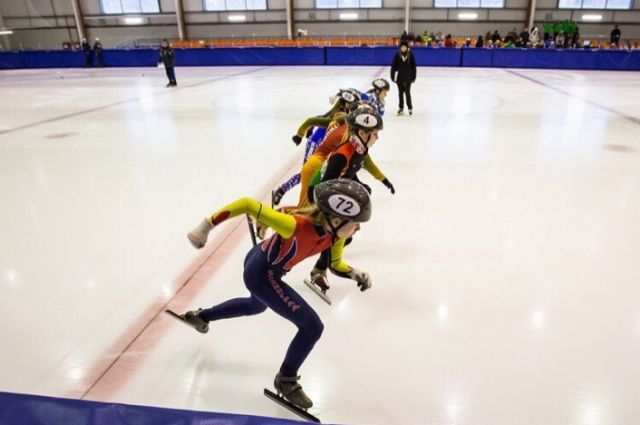 Международные соревнования по шорт-треку откроются 23 января в Гусеве