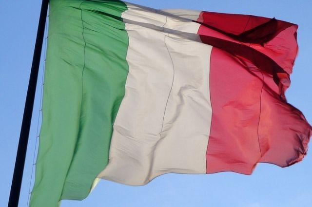 В Италии певицу госпитализировали с подозрением на китайский коронавирус