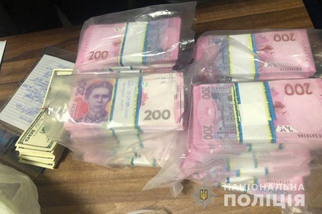 Под Киевом бизнесмену прислали траурный венок и требовали $130 тысяч