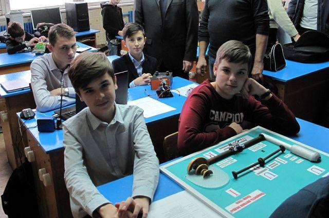 Ребята из ЦМИТа и 12-й школы Пятигорска наглядно показали, как работает закон Ома.