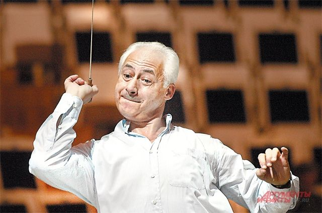 Знаменитый дирижёр и его оркестр выступят в Красноярске впервые.