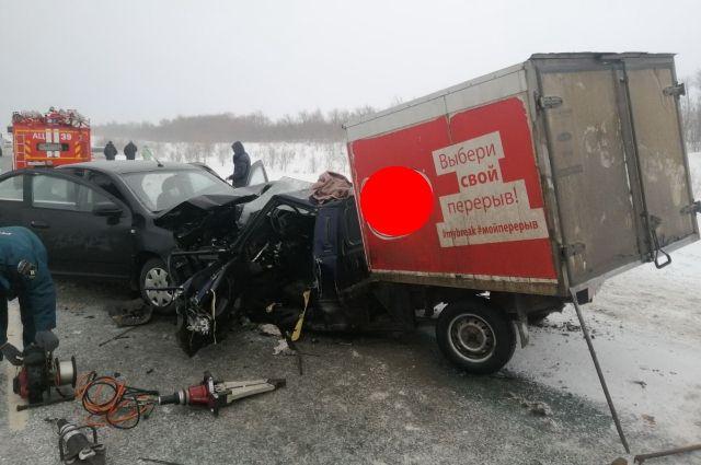 Под Оренбургом в аварии погиб человек, еще трое госпитализированы в больницу