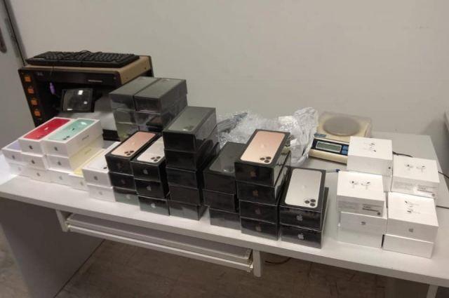 В «Борисполе» разоблачили схему контрабанды продукции Apple