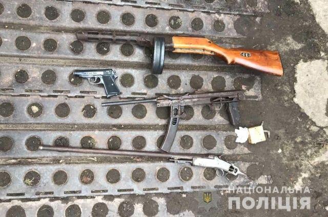В Харьковской области у 61-летнего мужчины обнаружили арсенал оружия