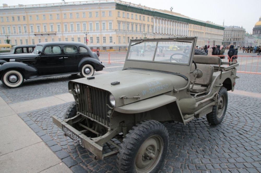 Которая спасала людей в блокадном Ленинграде.