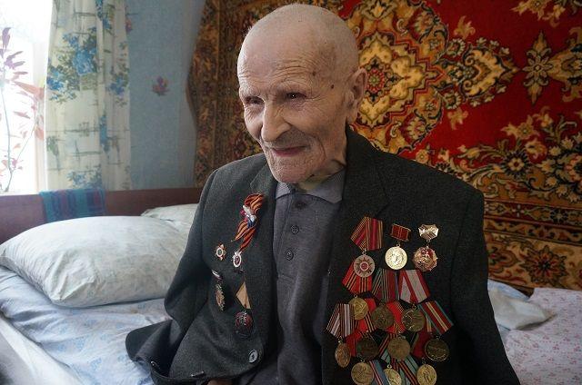 Афанасий Литвиненко долгие годы считал, что другим ветеранам квартиры нужнее, чем ему.