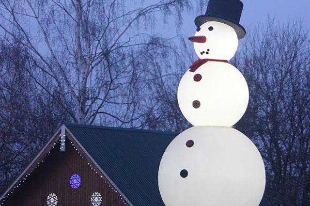 В самом тёплом с 1881 года январе снеговики присутствовали только в виде светильников.