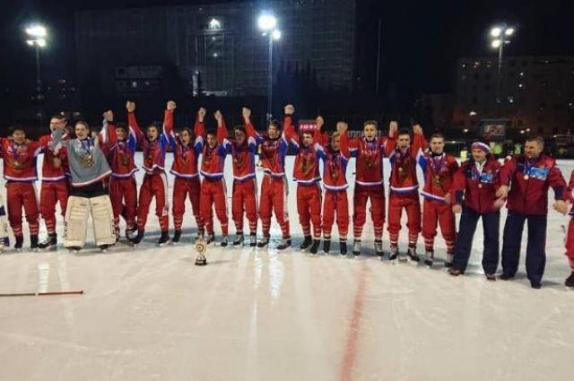 Золотые медали завоевали защитник Григорий Яковлев и полузащитник Данил Беляев.