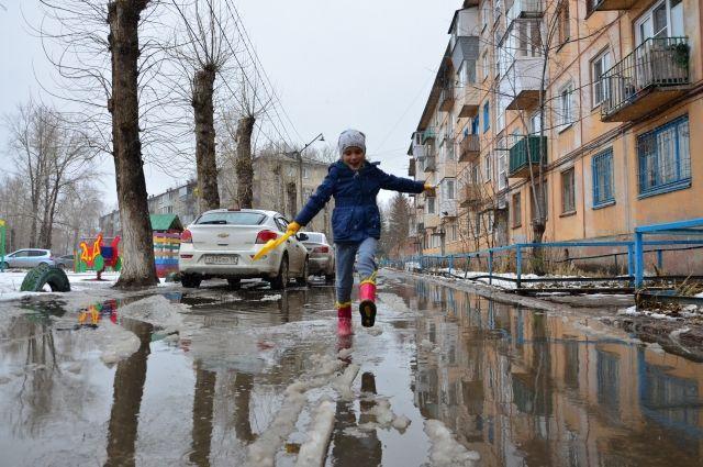 Химия на дорогах. Почему в Ижевске зимой грязь и лужи?