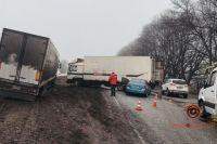 В Днепре произошли три ДТП при участии семи автомобилей: есть пострадавший