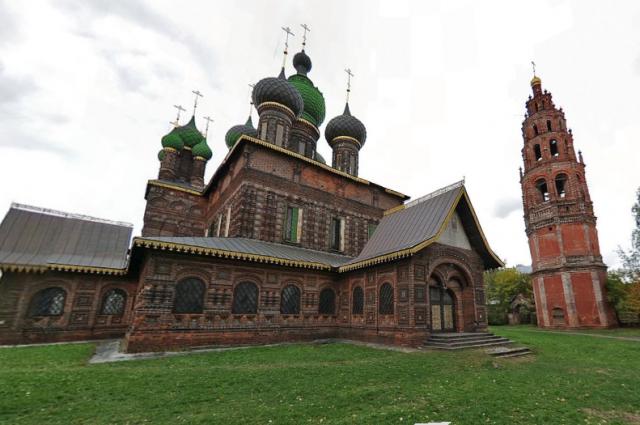 Ярославский храм изображён на 1000-рублёвой купюре.