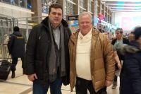 В аэропорту столичного гостя встречал председатель регионального Союза журналистов Дмитрий Голованов.