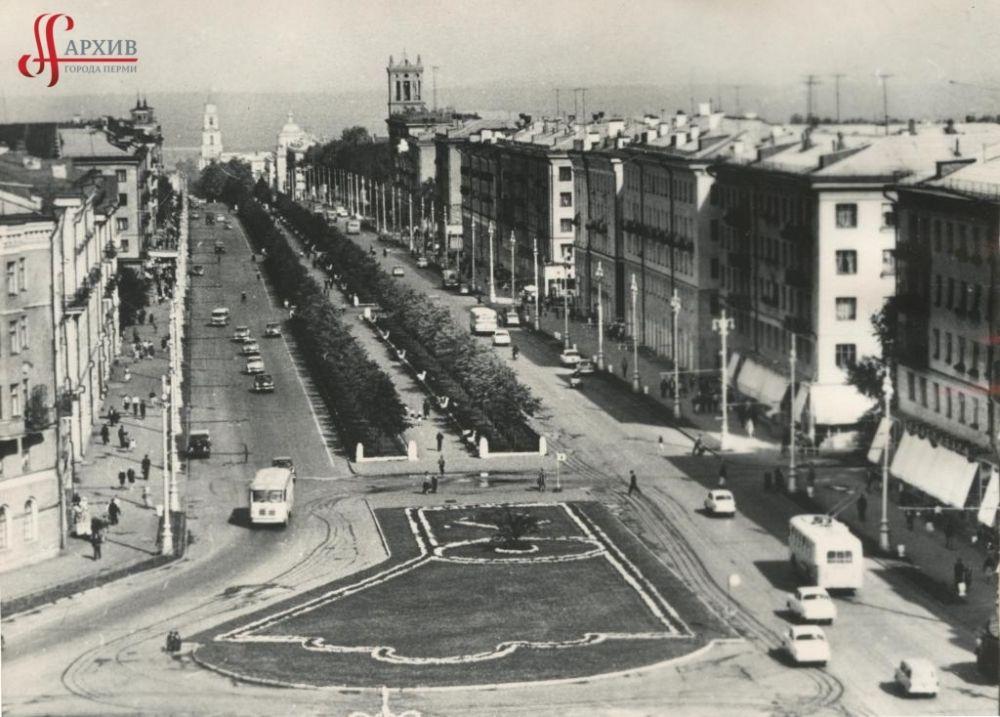 Панорама Комсомольского проспекта, вид из здания городского УВД, 1970-е гг.