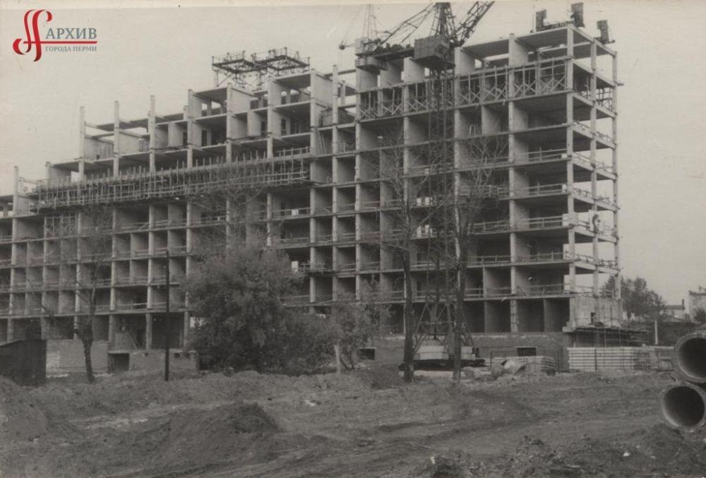 Строительство Дома Советов по улице Ленина, 51, сентябрь 1969 г.