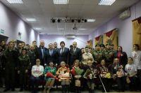 Николай Брыкин вручил тобольским ветеранам благодарственные письма
