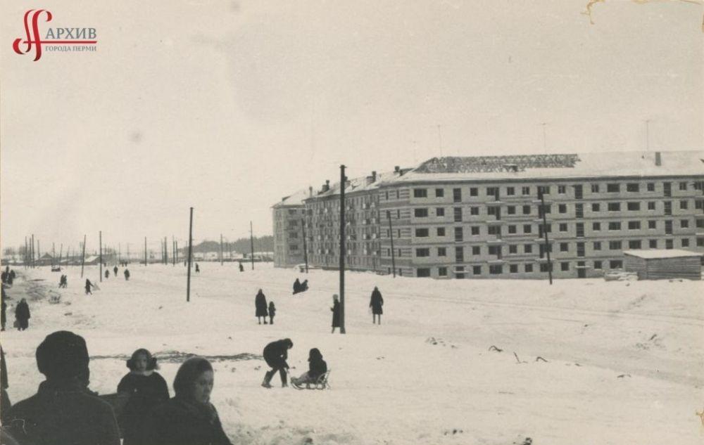 Застройка пятиэтажными домами улицы 9 Мая, 5 декабря 1965 г.