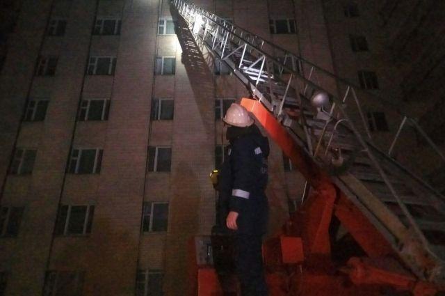 В Хмельницкой области горело общежитие университета, людей эвакуировали