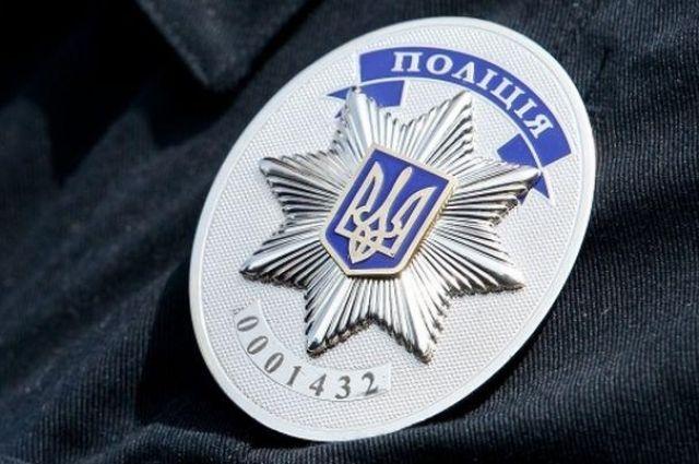Во Львове у потерявшего сознание полицейского украли оружие и документы