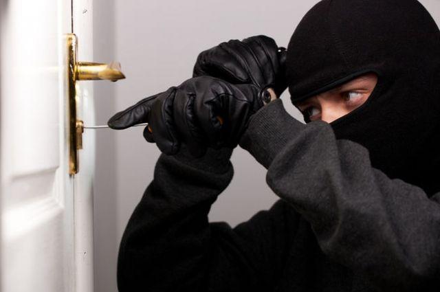 Прикрывались работой на интернет-провайдера: в Херсоне поймали группу воров