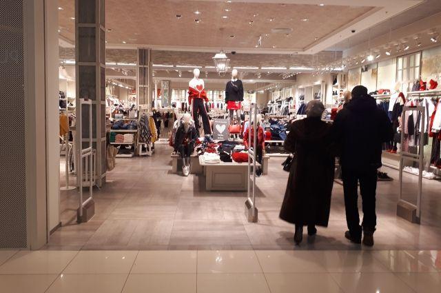 В Муравленко продавали поддельные куртки по цене оригиналов